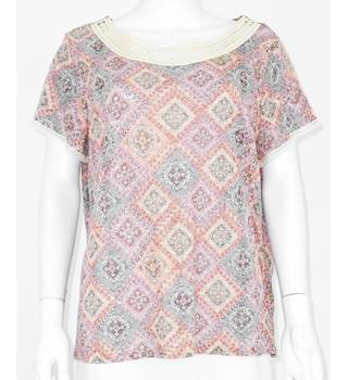 M&S Per Una Size 20 Diamond patterned Short-sleeved top