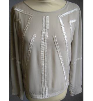 Reiss off white beaded long sleeve top size 8/EU36 Reiss - Size: 8 - White - Smock top