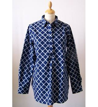 Lands' End - Size 10 - Blue with white rope pattern shirt