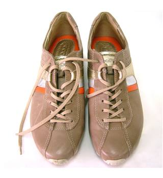 Ecco Size Size 7 Mocha and Orange Trainer Style Shoes