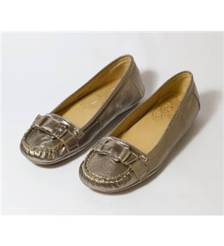 Hush Puppies size 4 pewter moccasins