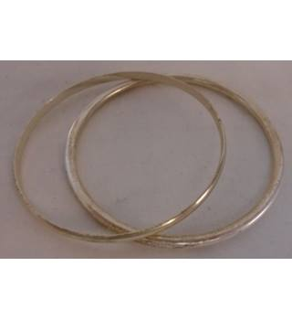 Unbranded - Size: Medium - White - Bangles