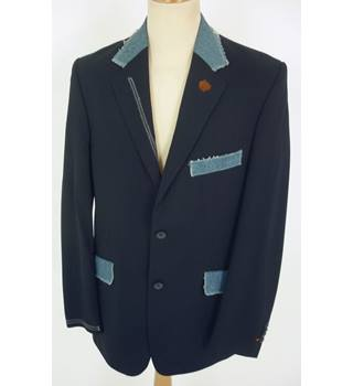 "Peter Werth  Size: M, 40"" chest, tailored fit Navy With Denim Trim Casual/Stylish Polyester Single Breasted Blazer"