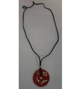 Unbranded - Size: Medium - Red - Wooden Pendant