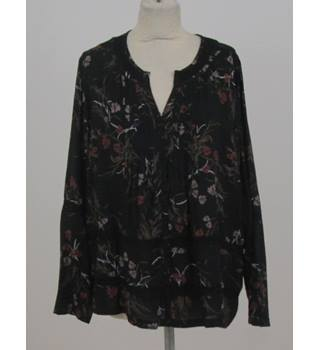NWOT Per Una - Size: 12 - Black Floral - Long sleeved Blouse