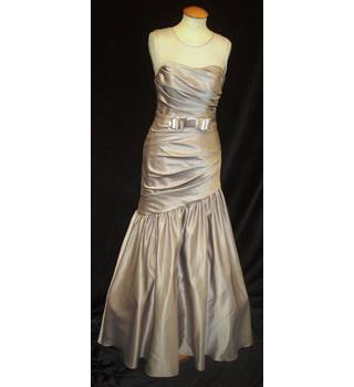 BNWT W Too Size 10 Mocha Bridesmaid Dress with ruched body and mermaid skirt