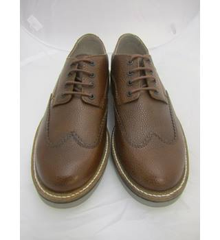 Clarks - Size: 7.5 - Brown - Brogue
