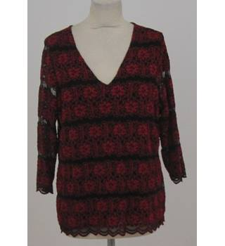 Per Una size 18 red and black floral v-neck blouse