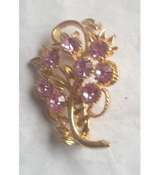 Gold Coloured Brooch With Pink Stones