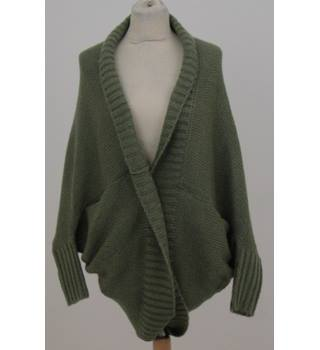 Ushuaïa Ibiza One size: regular green with red and white bird cardigan
