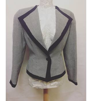 Zandra Rhodes Jacket Zandra Rhodes - Size: 12 - Grey - Smart jacket / coat