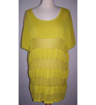 label be - Size: 12-14 - Yellow - Sleeveless top