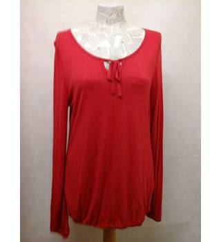 BNWT NEW South - Size: 16 - Red long sleeved lady top