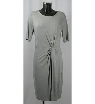 BNWOT Dorothy Perkins Dress - Pale Grey - Size 16 Dorothy Perkins - Size: 16 - Grey