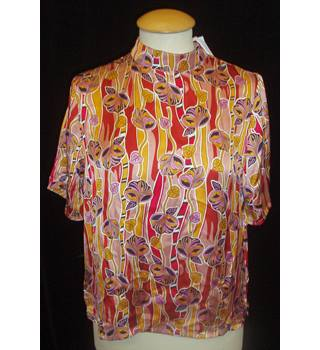 BNWT Glamorous - ASOS  Size XS  Yellow, red and pink floral print short sleeve casual day top