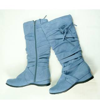 Blue Suede-like Size 5 Boots