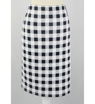BNWT Marks & Spencer - Size: 14 - Black and Grey - Cheque Skirt