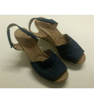 LADIES BLUE CANVAS WEDGE SHOES BY HOTTER SIZE 5 UK HOTTER - Size: 5 - Blue - Heeled shoes