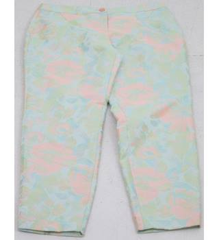 BNWT Ted Baker - Size: 14 Green floral trousers