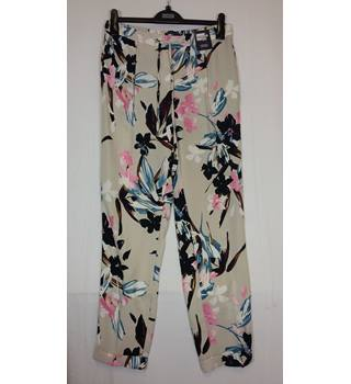 M&S floral print Size 12 Trousers M&S Marks & Spencer - Size: M - Multi-coloured - Trousers