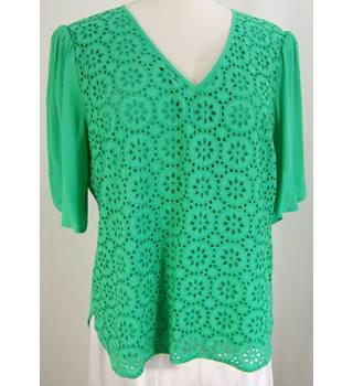 Wishbone - Size: 14 - Green tulip-sleeved top