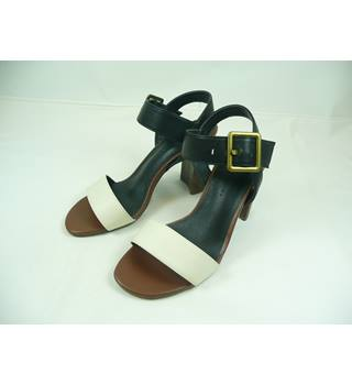 Marks & Spencer - Size: 3.5 - Black and White - Sandals