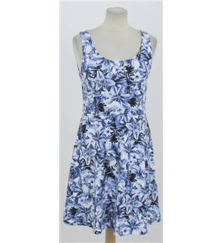 H&M Size: S Blue floral summer dress