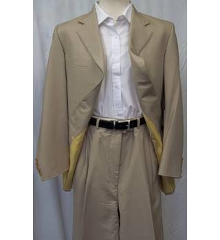 Crombie Wool and Cashmere Beige Suit Size 40