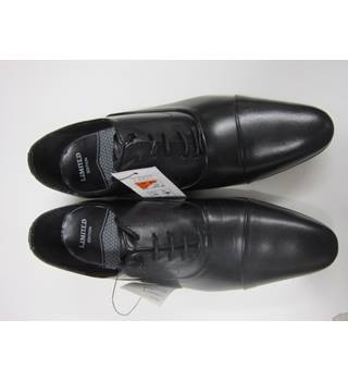 M&S brand new leather shoes size 6 1/2 M&S Marks & Spencer - Size: 6 1/2 - Black