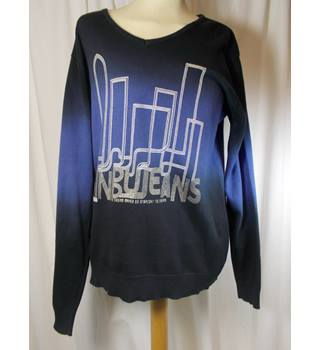 Man Armour size S jumper