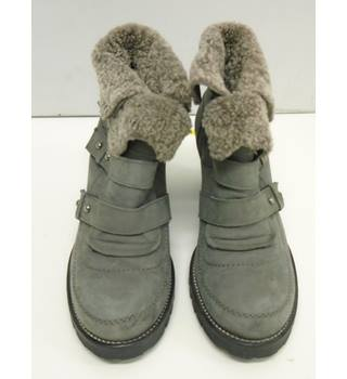 Carvela - Size: 38 - Ankle Grey - Boots