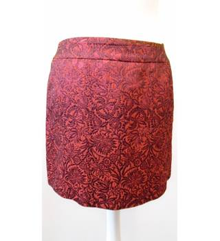 Karen Millen size 10 red & black brocade mini skirt