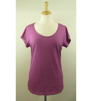 BNWT George 'My Essentials'  BNWT Purple/Pink T-Shirt Size 18 George My Essentials - Size: 18 - Purple - T-Shirt