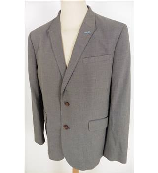 Ted Baker Size: L Grey & Black Arrow Dot Single Breasted Jacket