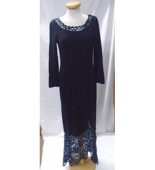 Peruvian Connection Size M Black with Lace Detailing Dress