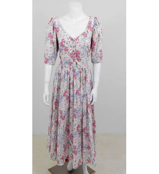 Laura Ashley Floral V-Neck Button Closure Long Dress With Short Sleeves Size 14