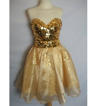 Unbranded  Size: 12  Yellow Prom dress