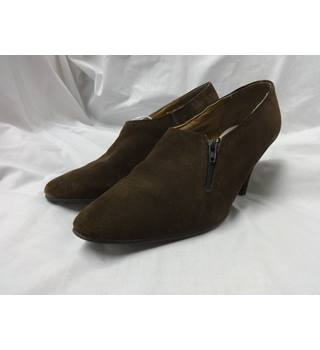 Unbranded - Size: 5 - Brown - Court shoes