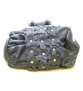 Daisy patterned Clutch bag