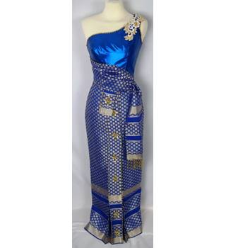 Unbranded Size: 8 Blue & Gold Long dress