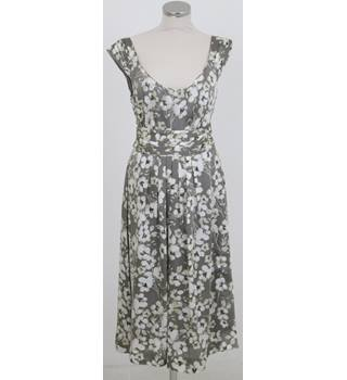 BNWT Monsoon Size:14 grey & cream floral dress