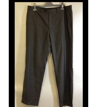 "Calvin Klein size 38 W Grey Wool Trousers Calvin Klein - Size: 38"" - Grey - Trousers"