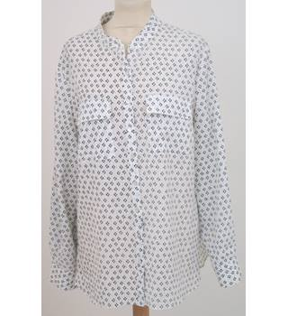 Autograph, size L cream & navy patterned granddad style shirt