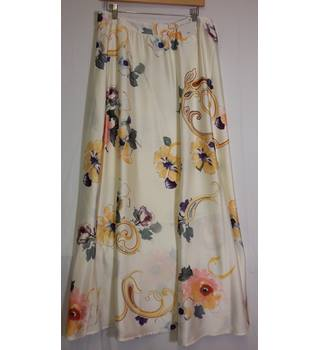 BNWT M+S maxi skirt size 14 long M&S Marks & Spencer - Size: 14 - Cream / ivory - Long skirt