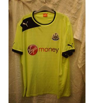 Newcastle Third Kit 2012/2013 by Puma