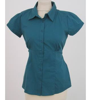 Amisu, size M green short sleeved shirt