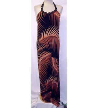 Evie - Size: 14 - Burnt Orange and Black - Leaf Pattern -  Long dress