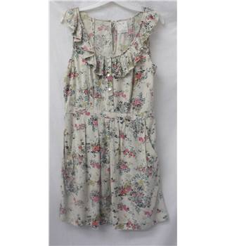 Pins and Needles Size: L Beige floral pattern Sleeveless dress