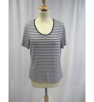 Viyella - Size: 14 - Black and White - Striped - Cap sleeved T-shirt