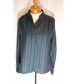 Mona International - Size: 14 - Green - Long sleeved shirt